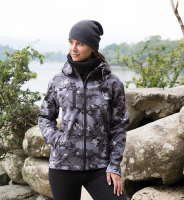 Camo hooded softshell jacket