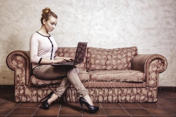woman oredering online.jpg